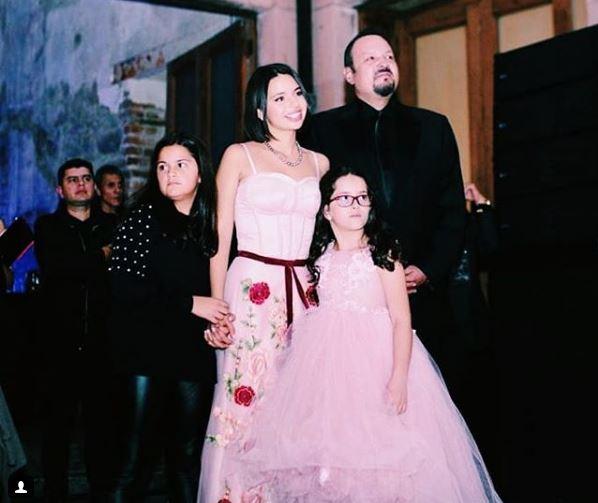 ángela Aguilar Y Su Polémico Vestido De Xv Años Noticias
